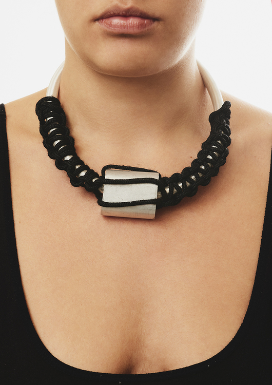 Blackoutlabel neckalce day n night.2